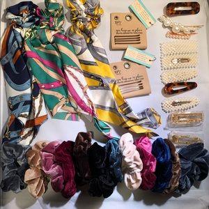 Accessories - 🌹3/$20🌹Hair accessories. Scrunchies, scarf, hair